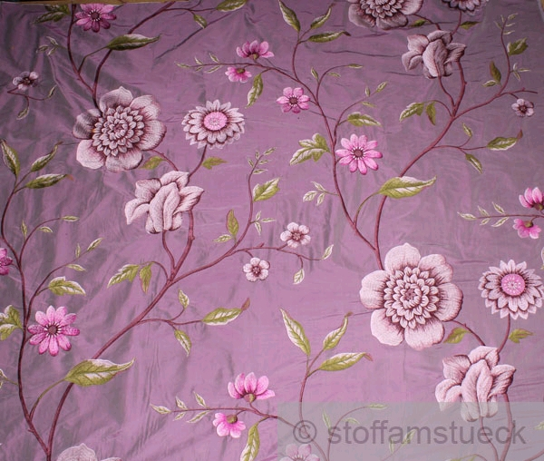 stoff seide baumwolle violett stickerei blume edel bestickt blumen bl te barock ebay. Black Bedroom Furniture Sets. Home Design Ideas